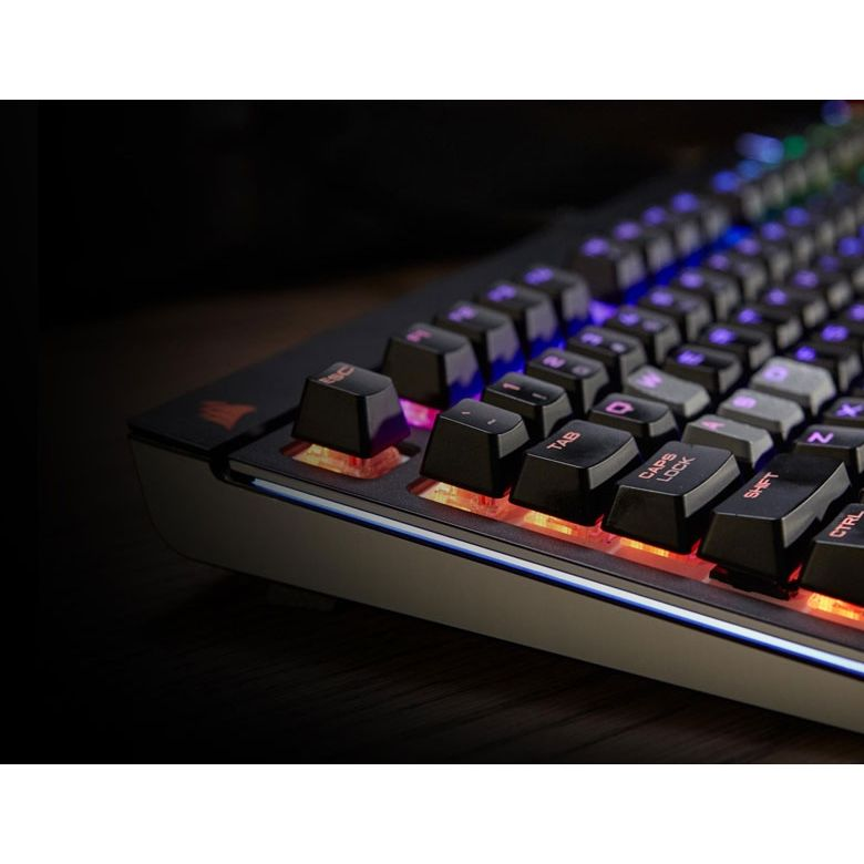 Corsair Gaming STRAFE schwarze Tastatur RGB LED Cherry MX Silent