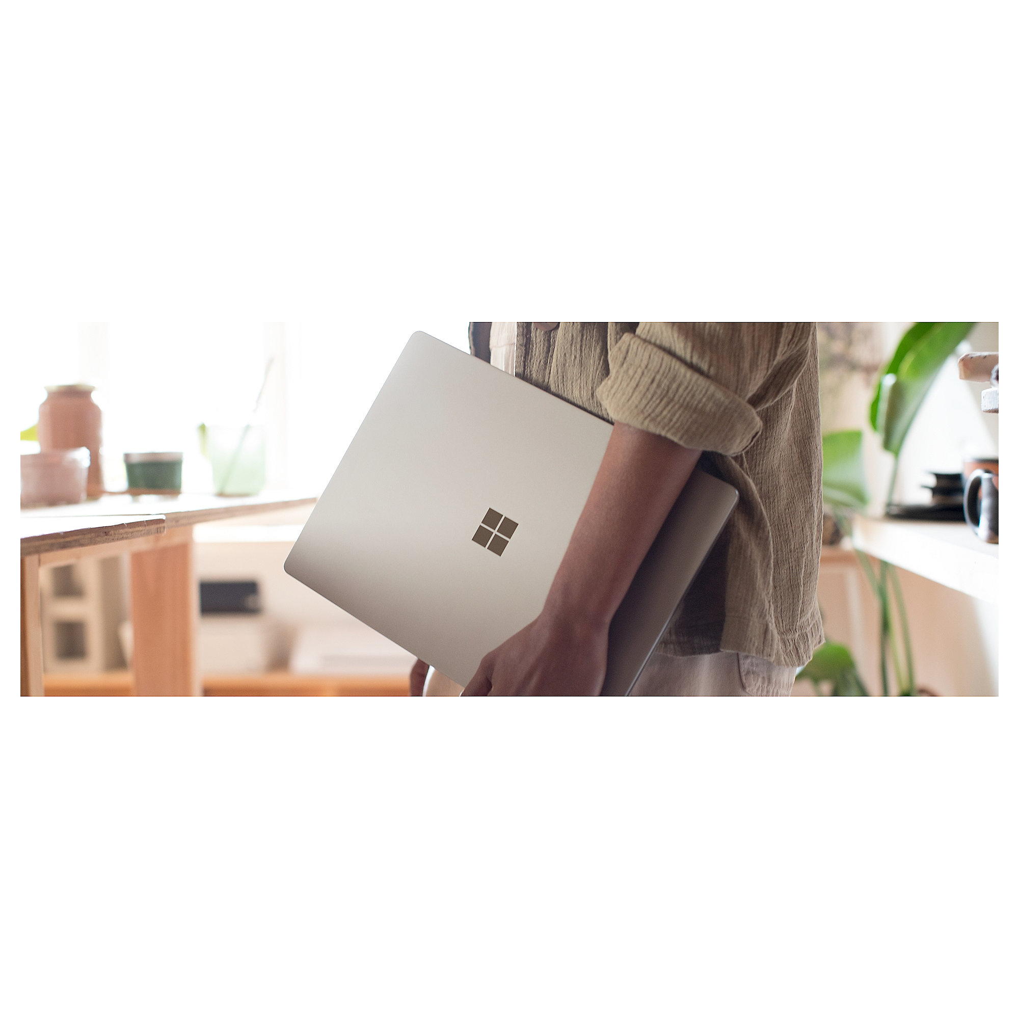 "Microsoft Surface Laptop DAG-00010 i5-7200U 8GB/256GB SSD 13"" FHD Windows 10 S"